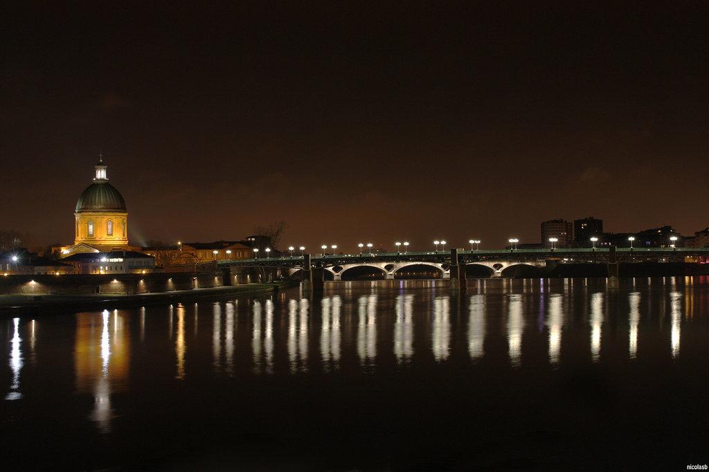 Toulouse et la Garonne de nuit